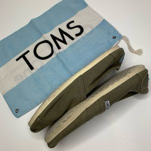 Toms women's shoes size 8.6